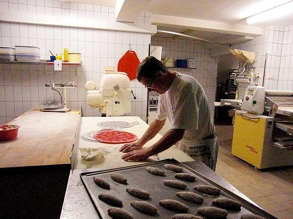 Backstube - Teigvorbereitung Herr Grimmeisen